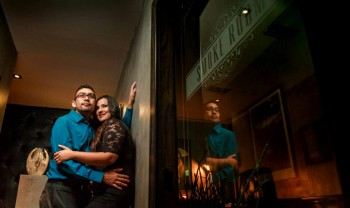 003_moma_y_paco_pareja_engagement_session_compromiso_couple_photoshoot_wedding_photographer_bodas_avalos_dark_vintich-1200.jpg