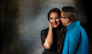007_moma_y_paco_pareja_engagement_session_compromiso_couple_photoshoot_wedding_photographer_bodas_avalos_dark_vintich-1200.jpg