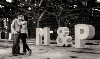 009_moma_y_paco_pareja_engagement_session_compromiso_couple_photoshoot_wedding_photographer_bodas_avalos_dark_vintich-1200.jpg