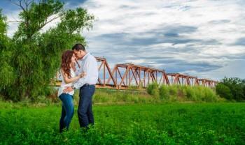 012_ale_y_noel_pareja_engagement_session_compromiso_couple_photoshoot_wedding_photographer_bodas_meoqui_delicias-1200.jpg