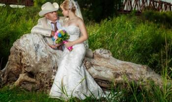 018_brenda_y_cesar_ttd_fotografía_bodas_wedding_photography_bridal_photoshot_trash_the_dress_chihuahua-1200.jpg