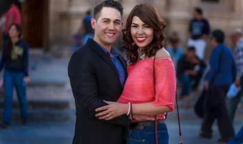 01_elizabeth_y_mariano_pareja_engagement_session_compromiso_couple_photoshoot_wedding_photographer_bodas_chihuahua_centro_historico_distrito_uno-1200.jpg