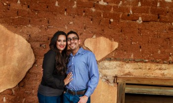 027_moma_y_paco_pareja_engagement_session_compromiso_couple_photoshoot_wedding_photographer_bodas_avalos_dark_vintich-1200.jpg