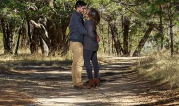 08_elizabeth_y_mariano_pareja_engagement_session_compromiso_couple_photoshoot_wedding_photographer_bodas_chihuahua_centro_historico_distrito_uno-1200.jpg