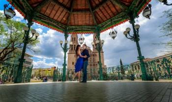 12_jessica_y_thomas_pareja_engagement_session_e-session_sesion_compromiso_couple_photoshoot_wedding_photographer_fotografia_bodas_photography_chihuahua_alex_mendoza-1200.jpg