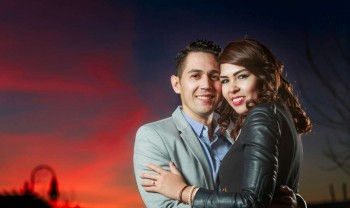 15_elizabeth_y_mariano_pareja_engagement_session_compromiso_couple_photoshoot_wedding_photographer_bodas_chihuahua_centro_historico_distrito_uno-1200.jpg