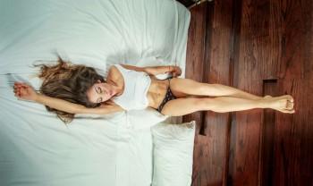 17_lorena_bucio_boudoir_photoshoot_woman_photography_glamour_session_sesion_fotografia_chihuahua_motel_hacienda_san_pedro-1200.jpg