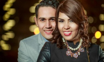 21_elizabeth_y_mariano_pareja_engagement_session_compromiso_couple_photoshoot_wedding_photographer_bodas_chihuahua_centro_historico_distrito_uno-1200.jpg