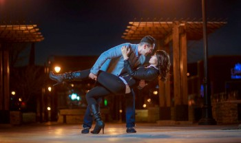 24_elizabeth_y_mariano_pareja_engagement_session_compromiso_couple_photoshoot_wedding_photographer_bodas_chihuahua_centro_historico_distrito_uno-1200.jpg