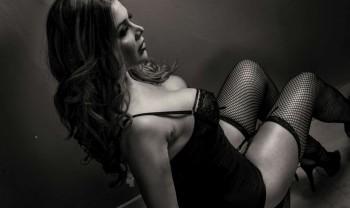 35_marisol_ramirez_boudoir_photoshoot_woman_photography_glamour_session_sesion_fotografia_chihuahua_motel_hacienda_san_pedro-1200.jpg